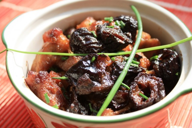 pork-with-plums-888