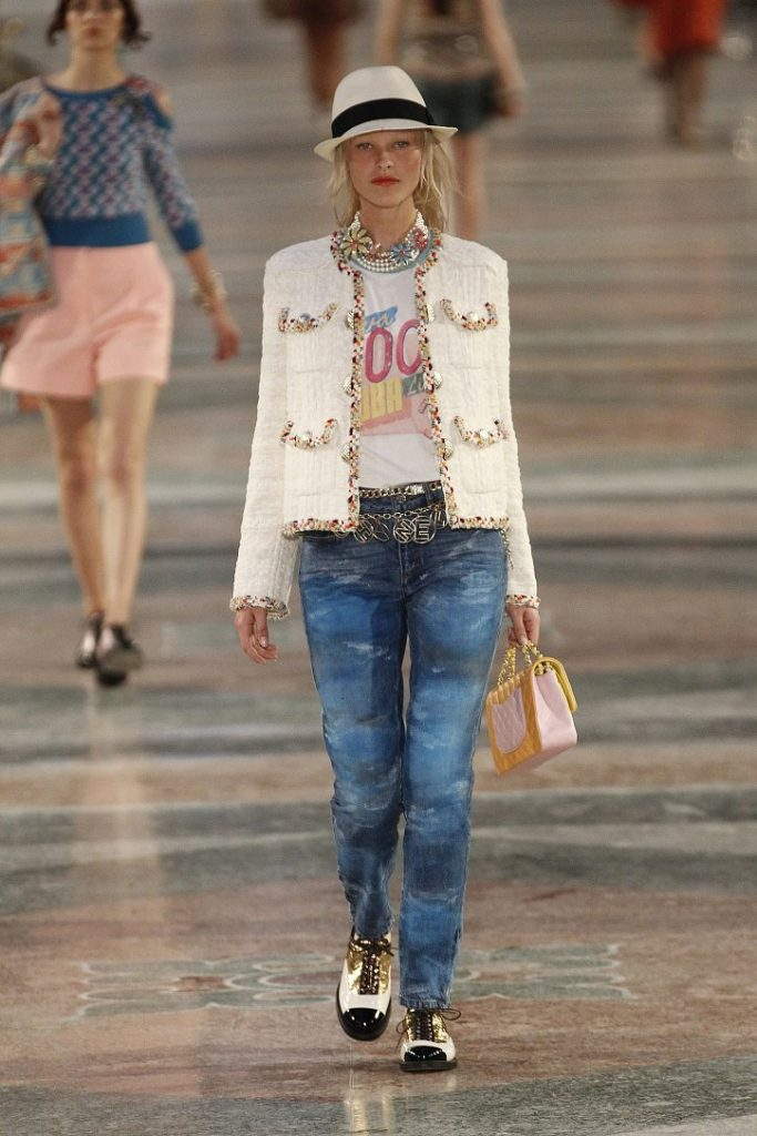 Chanel-resort-2017-43