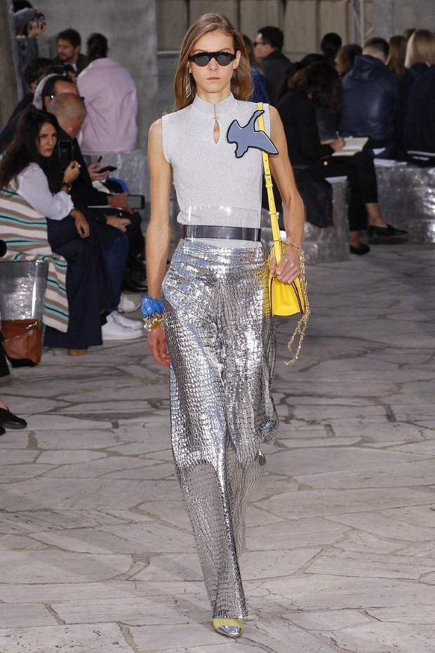 Fashion -Trends -Spring - Summer- 2017-Clothing- with -metallic- effect-6