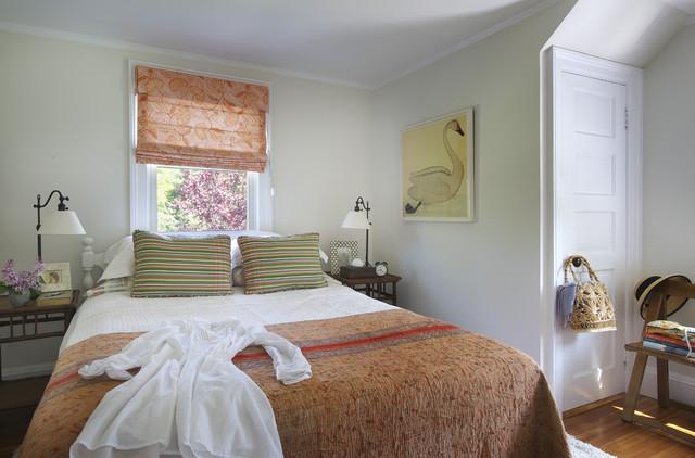 Roman- blinds- in- the -bedroom1-444