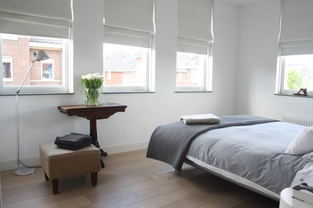 Roman- blinds- in- the -bedroom1-448