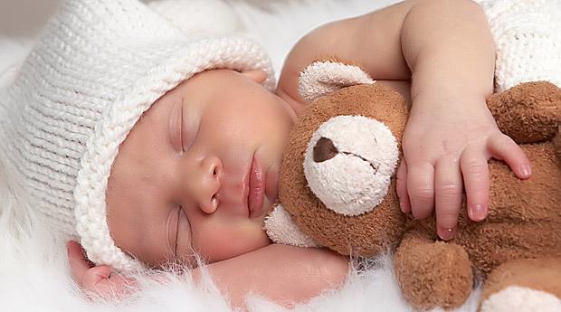спящо новородено