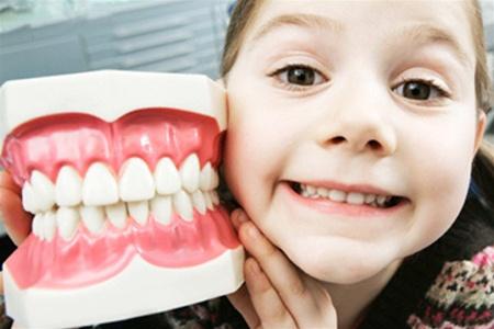 Защо-правя-някой- зъбите на хората- растат -скърцани-888