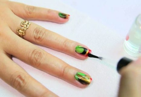 MANICURE- IN- TAI-DAY -STYLE-555-2
