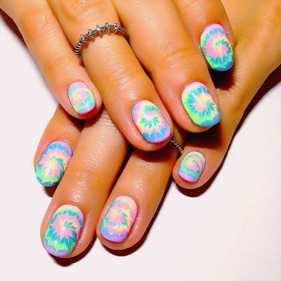 MANICURE- IN- TAI-DAY -STYLE-555