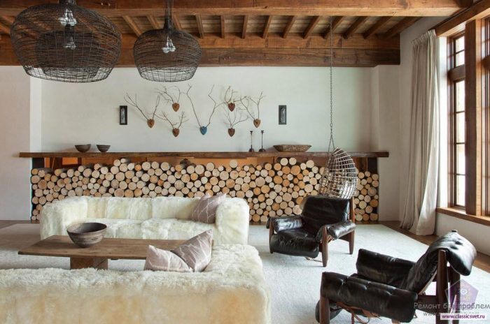 Wood- in -the- interior- of- the -apartment-1-555
