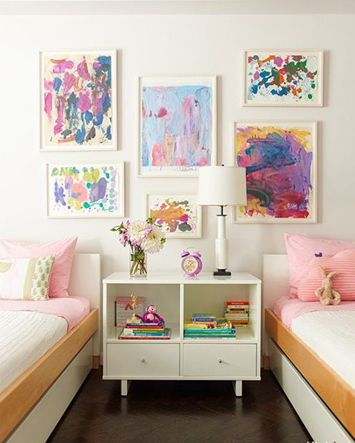 Paintings- in- the- interior- of- the- house-555-2