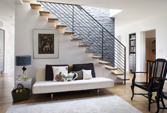 Staircase- in- the- interior -of- the -house-11