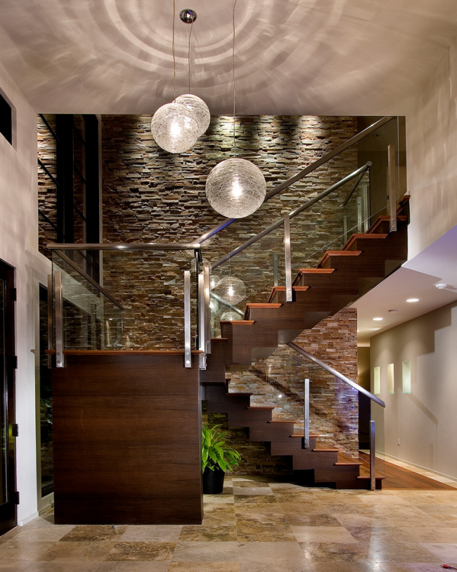 Staircase- in- the- interior -of- the -house-3