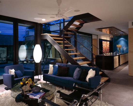 Staircase- in- the- interior- of- the- house-555-1
