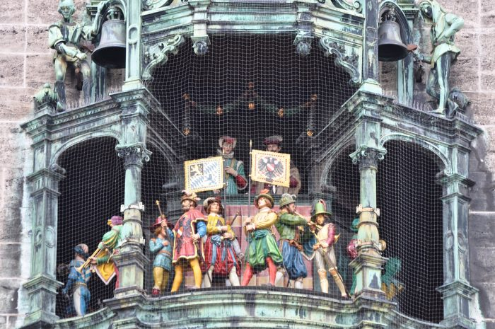 Новия-Rathaus-Glockenspie666
