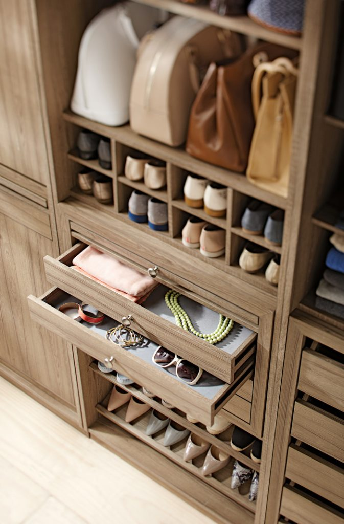 How- to- store- shoes- and- bags- ideas- and -tips-666-12