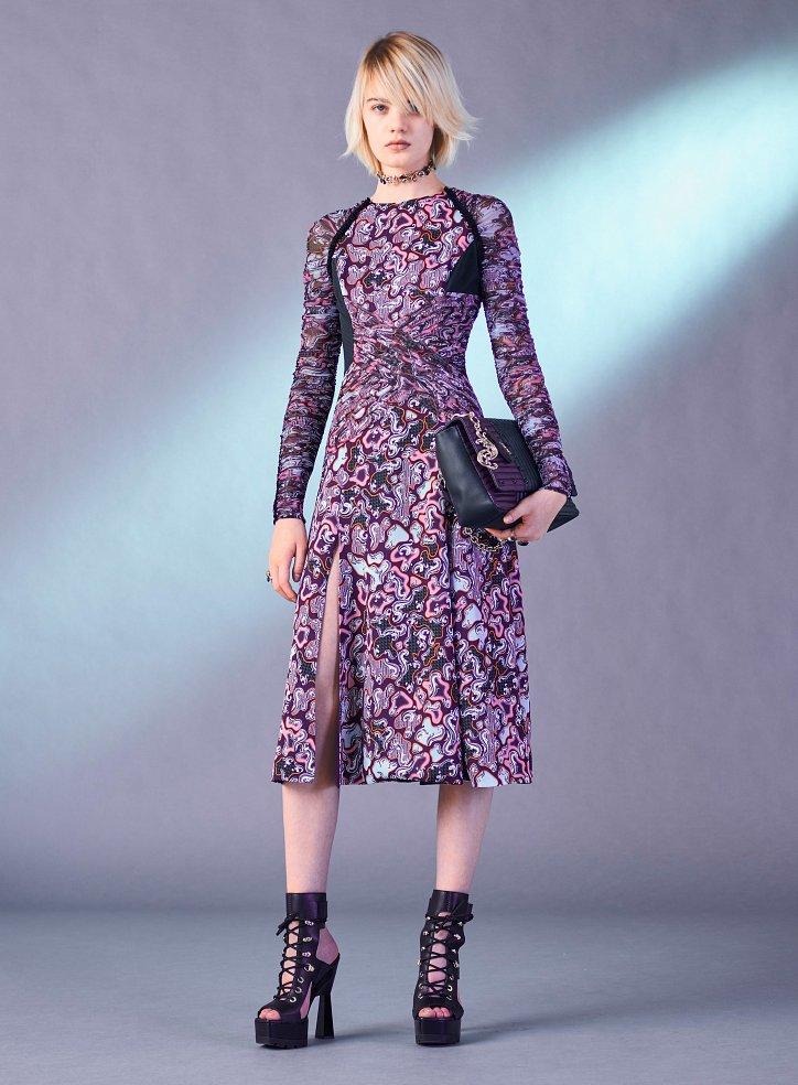 Снимка на Versace преди есента на 2017 г. №13