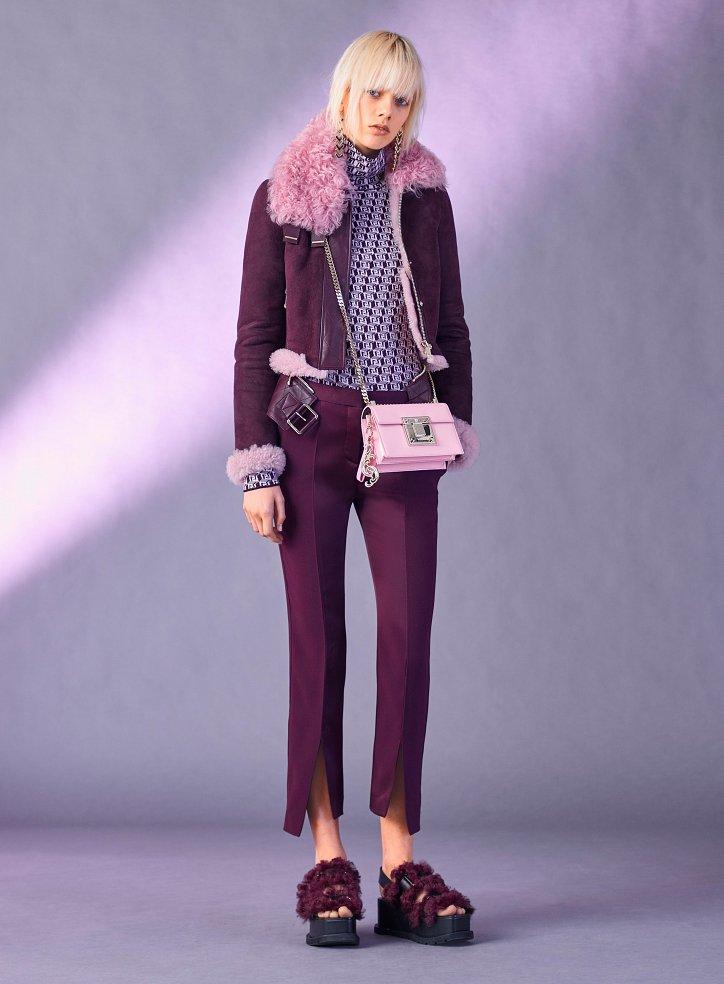 Снимка на Versace преди есента 2017 г. №16