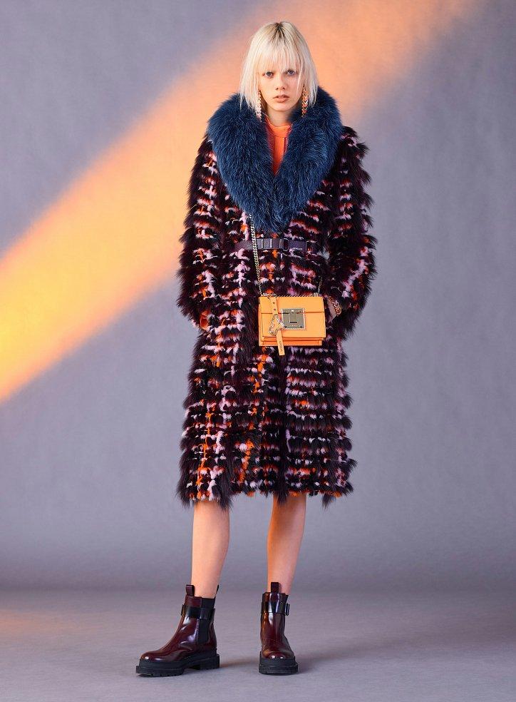 Versace пред есента 2017 г. снимка №33