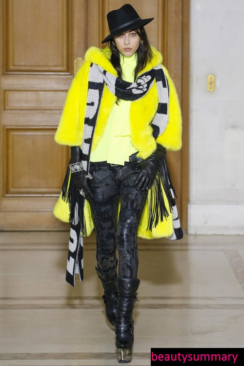 Long- scarf - fashion- trend- o the-season-2017-2018-666