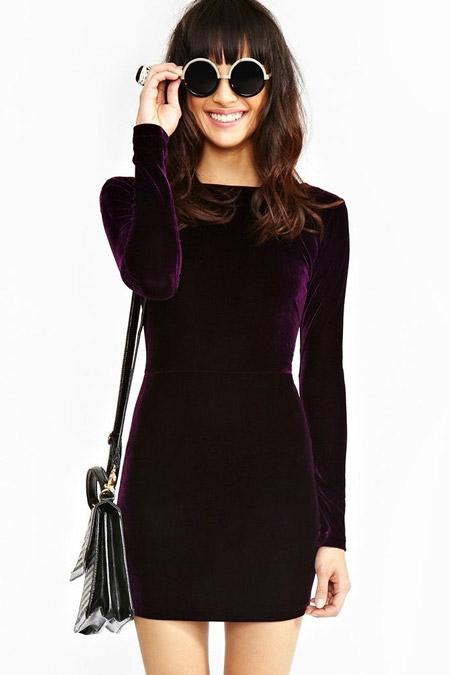 Velvet- dress- is- a- chic- look-29