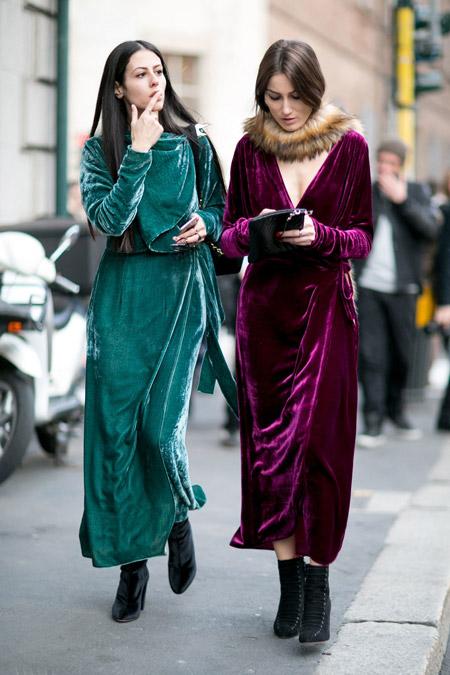 Velvet- dress- is- a- chic- look-33