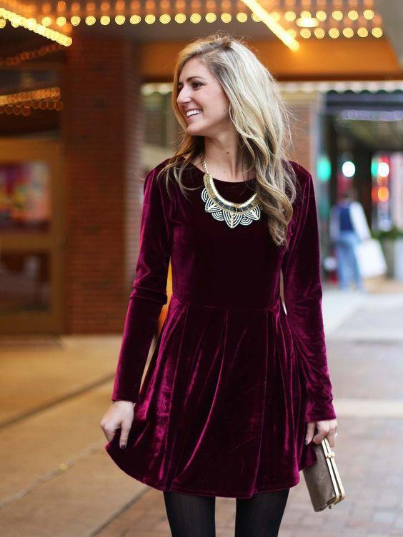 Velvet- dress- is- a- chic- look-5
