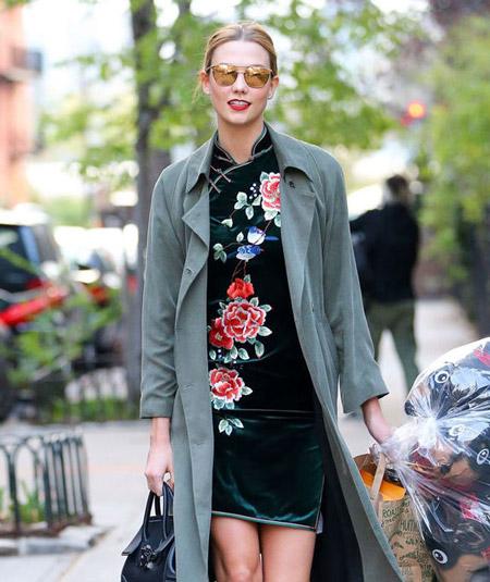 Velvet- dress- is- a-chic- look-51