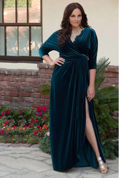 Velvet- dress- is- a- chic- look-53