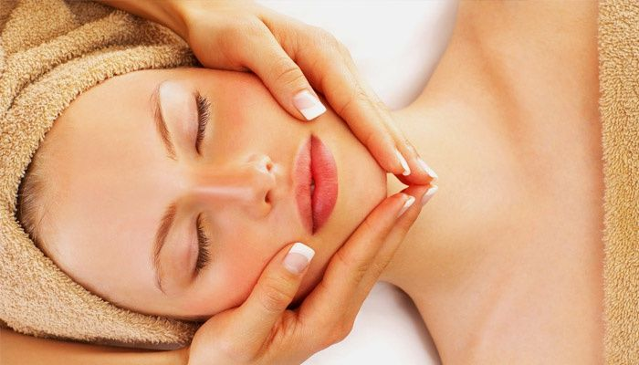 Facial massage for the treatment of hyperemic skin