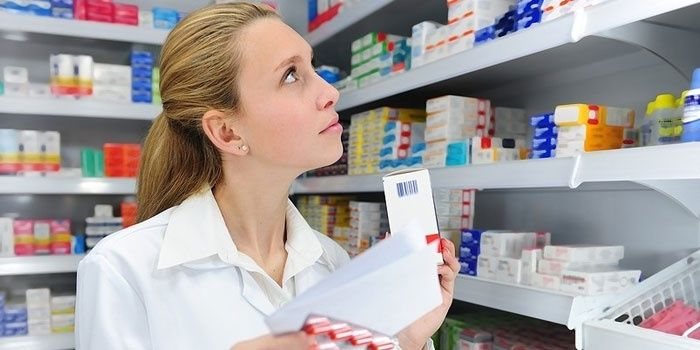 Choosing a medicine in a pharmacy