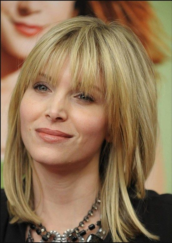 Ideal haircuts for women 50 years old-989