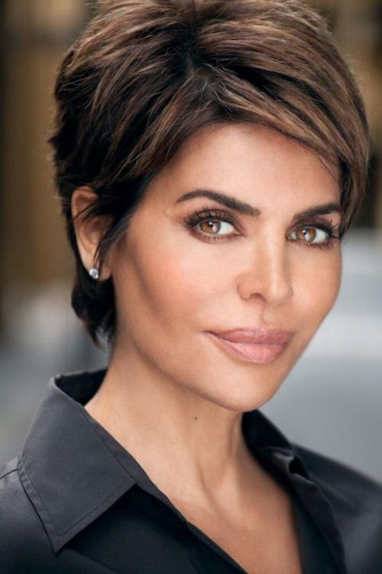 Ideal haircuts for women 50 years old-4