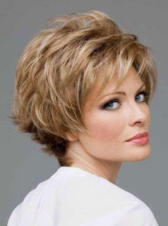 Ideal haircuts for women 50 years old-1
