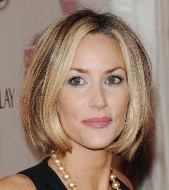 Ideal haircuts for women 50 years old-7
