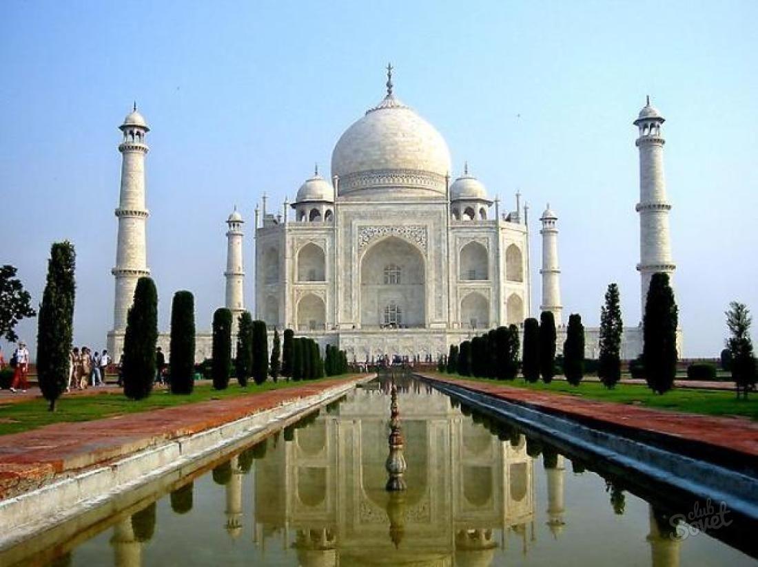 What's inside the Taj Mahal