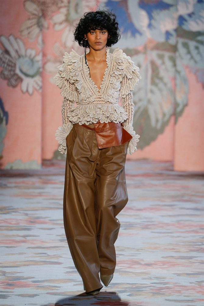 Fashion_ trousers_ fall_winter_ 2019_zimmermann
