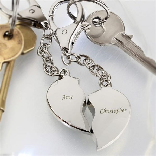 personalized_pair_of_heart_keyrings_lifestyle_181- beautysummary