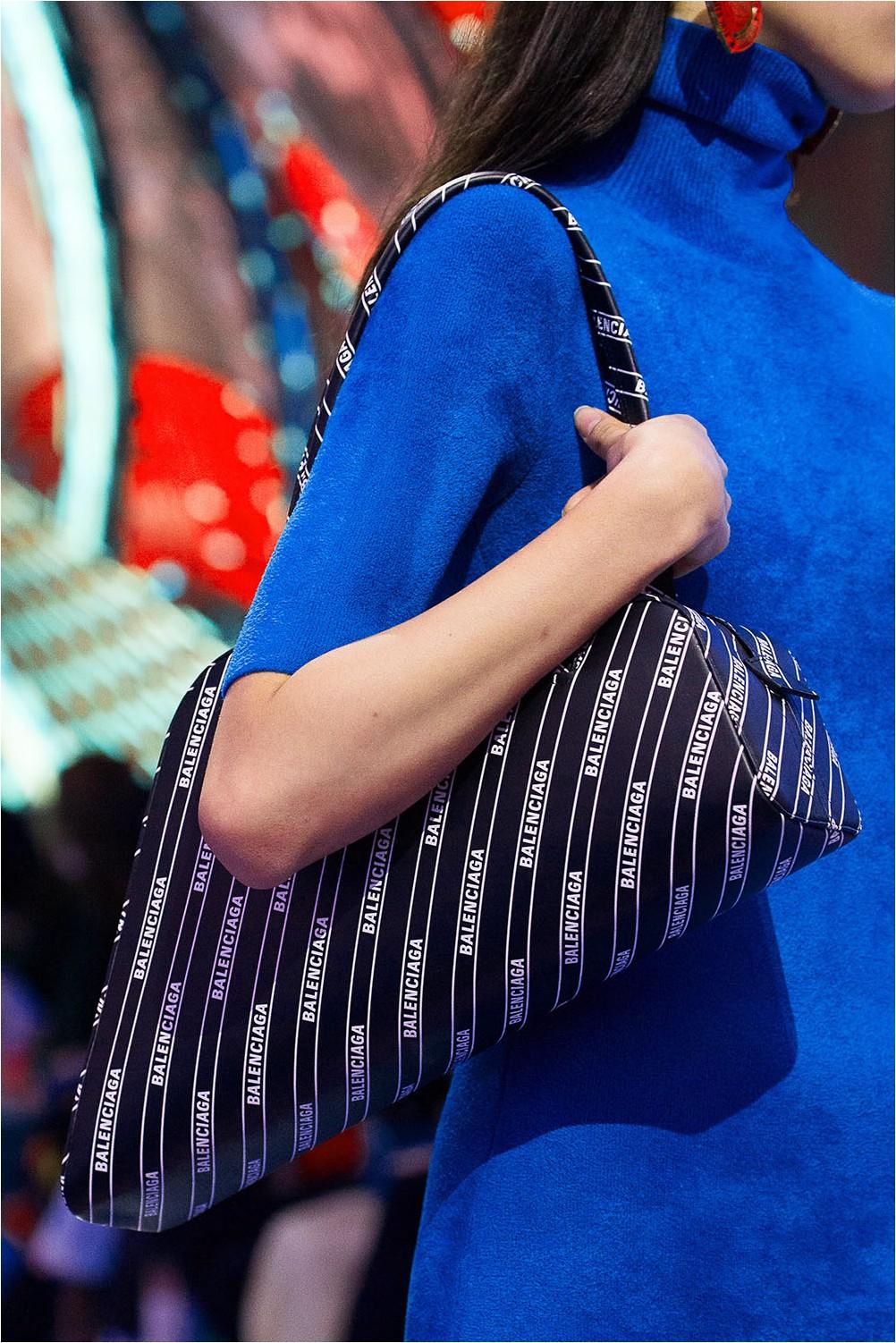 Чанта за лого Balenciaga