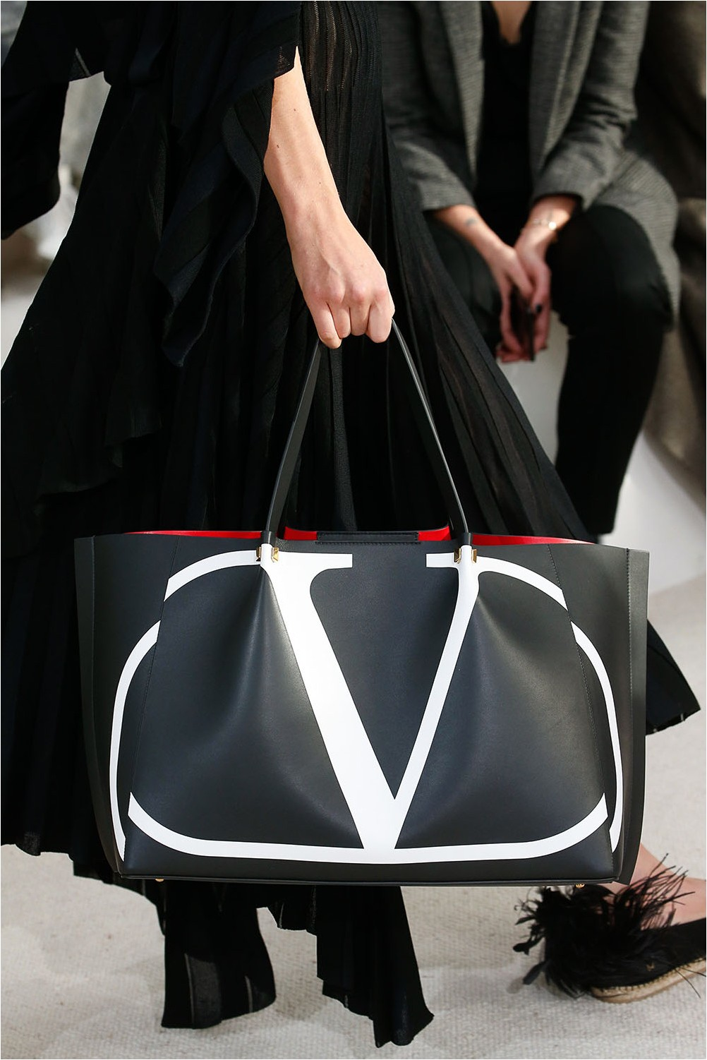 Чанта с лого на Valentino