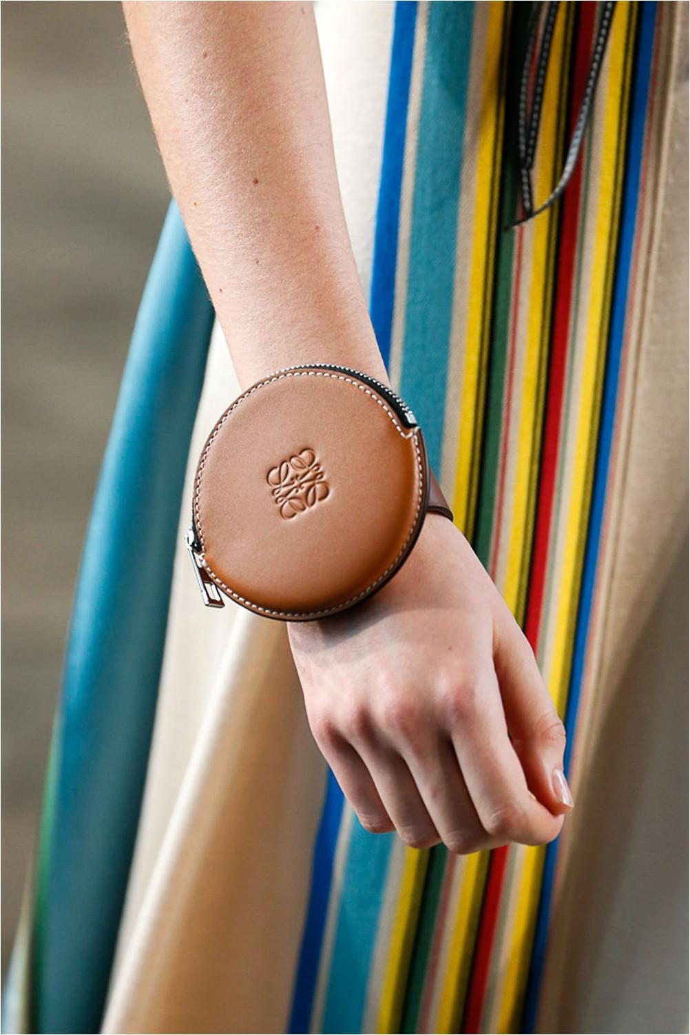 Чанта за китката Loewe