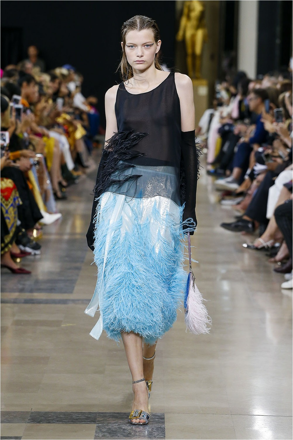 Feathers Rochas