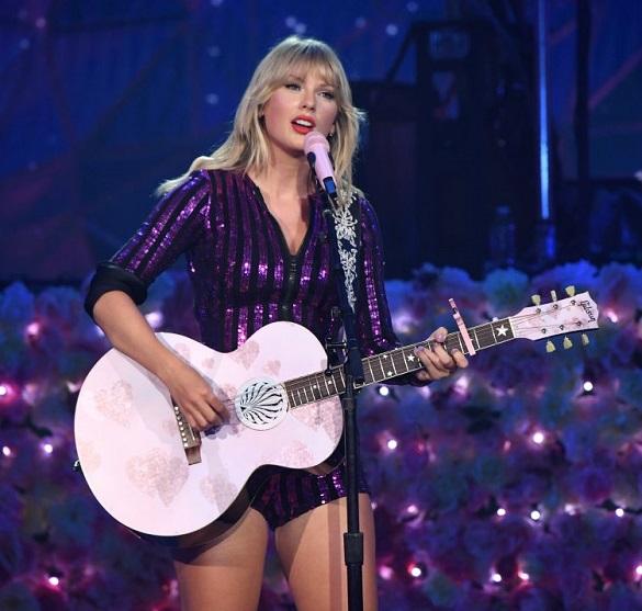 Тейлър Суифт отменя всички свои концерти